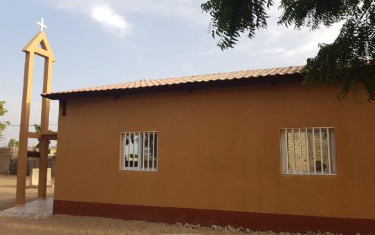 Costruzione della chiesa di Mbakeme